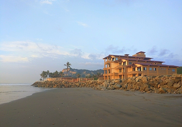 Beachfront condos for sale in Ecuador