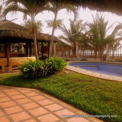 Puerto cayo ecuador large oceanfront house and estate for Puerto cayo ecuador real estate